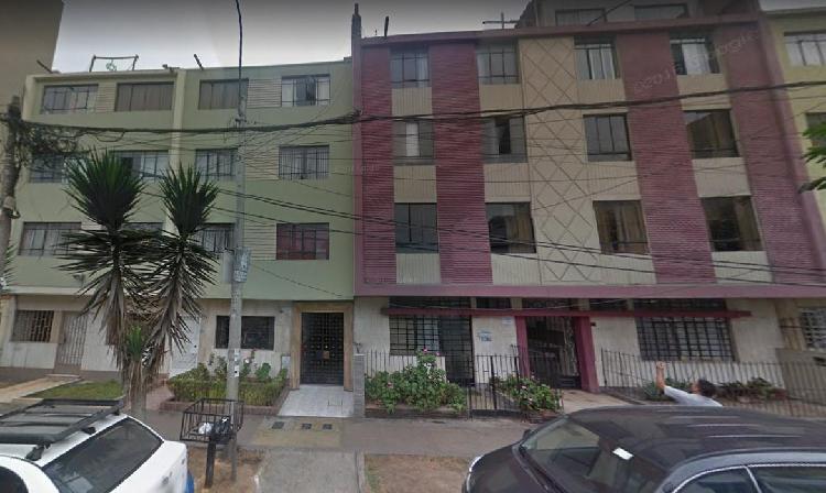 Departamento primer piso límite con san isidro. id