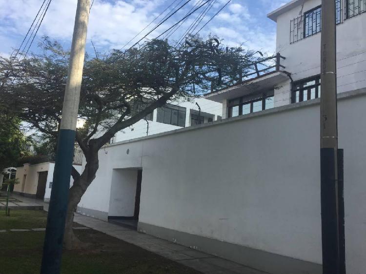 Casa para oficinas at 1042 m² ac 788 m² urb campo de polo