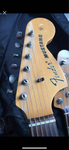 Fender mustang 93 made in japan no gibson