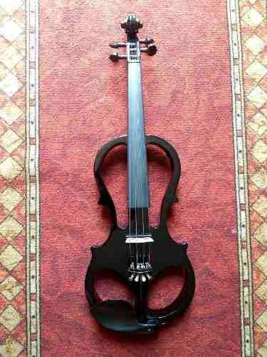 Violin electrico calavera color negro silencioso