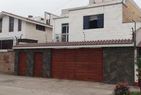 Casa primer piso 6 habitaciones - 387 m² frente a parque