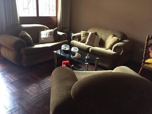 Juego de sala (2 muebles de dos cuerpos y una de un cuerpo)