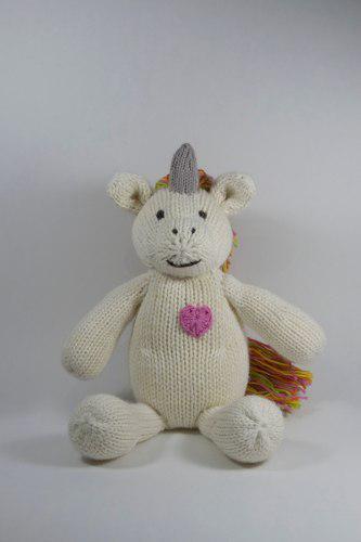 Muñeco peluche de unicornio tejido a crochet