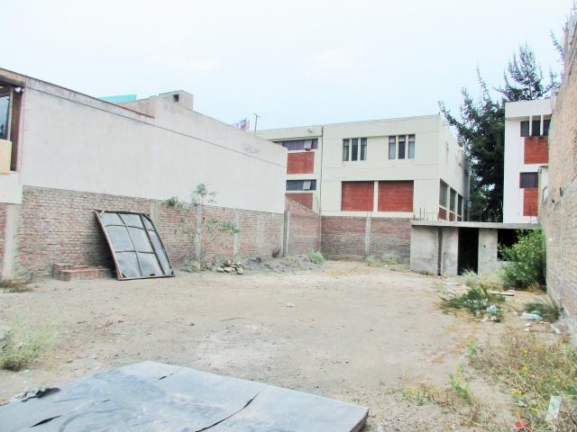 Amplio terreno urbano en venta - coop. universitaria