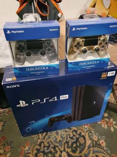 Playstation 4 pro 1tb nuevo&sellado + 2 juegos +2 mandos