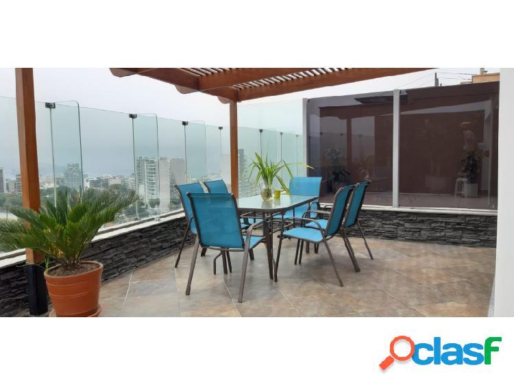 Hermoso penthouse en alquiler en miraflores maravillosa vista a la ciudad y mar amplia terraza 3 dormitorios amoblado