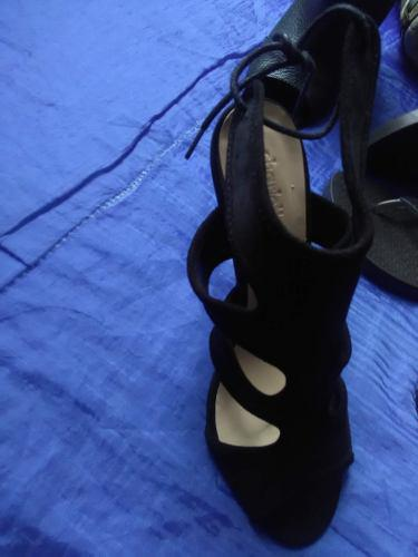 Sandalias, tacos negros