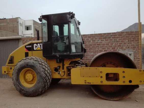 Rodillo caterpillar modelo cs533e año 2011 en lima