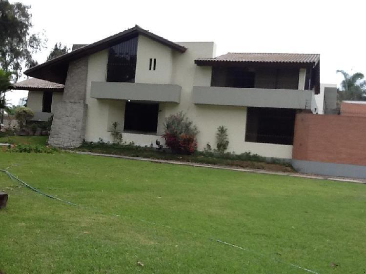 Bonita casa en exclusivo condominio los eucaliptos - muy