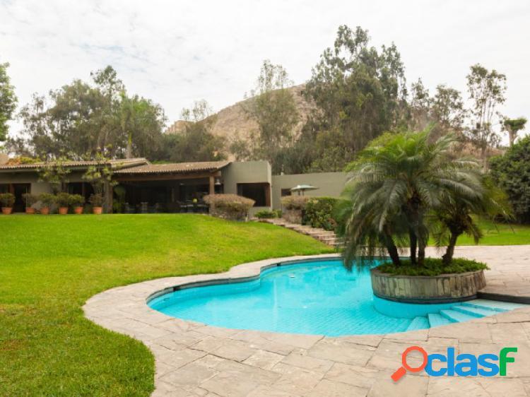Casa en Venta en Santiago de Surco 4 dormitorios Exclusiva zona Los Granados