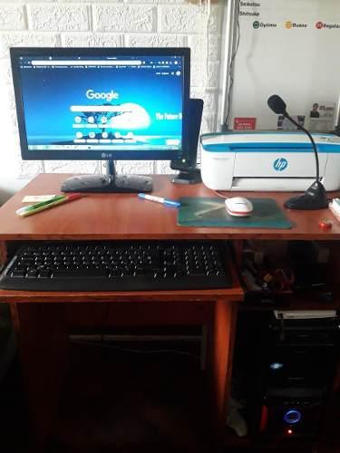 Centro de computo completo. pc, monitor, teclado, más