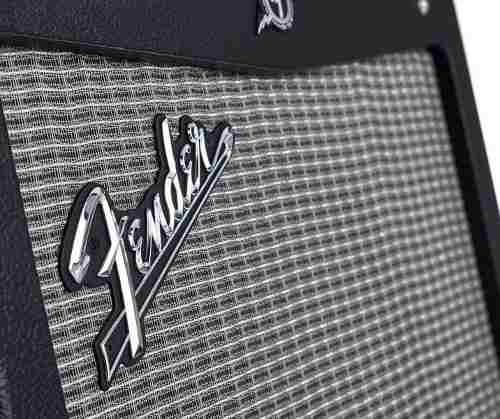 Amplificador fender mustang i v2 potencia: 20 w