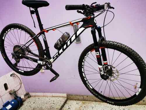 Bicicleta montañera scott scale rc700 pro, de carbono