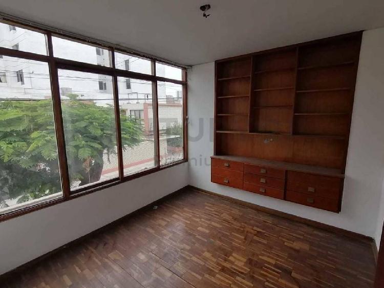 Amplio apartamento familiar en venta