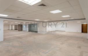 Amplia oficina 494.42 m² - segundo piso - muy bien ubicada