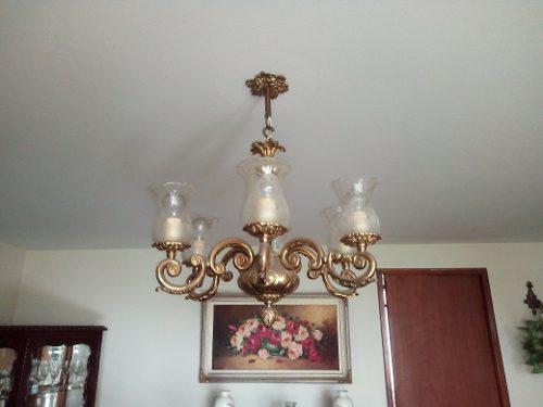 Lámpara de bronce de seis luces