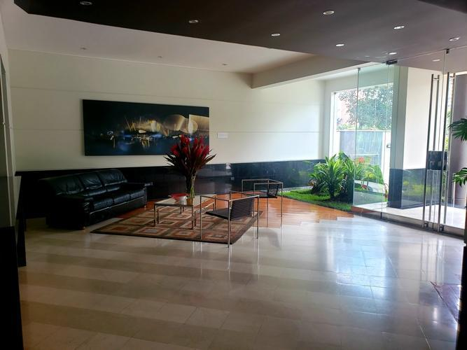 Alquiler departamento 200 m². frente lima golf club san