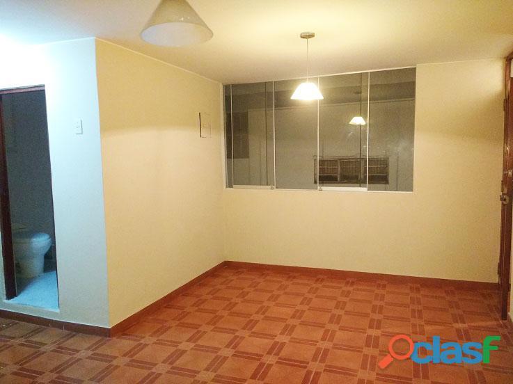 Alquilo 04 ambientes + baño completo  2° piso US $550   SURCO