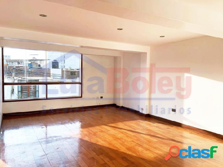Alquilo moderno departamento 3° piso en los álamos - urb. santa victoria