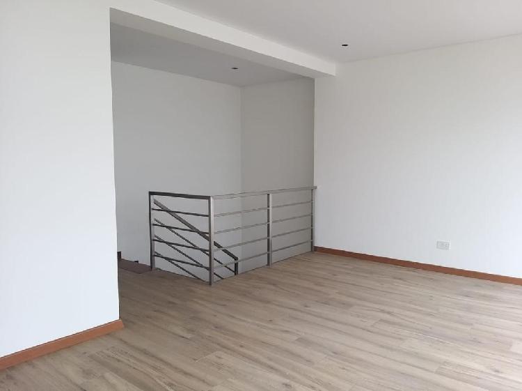 Duplex en chacarilla de estreno - no alcabala 243 m² -