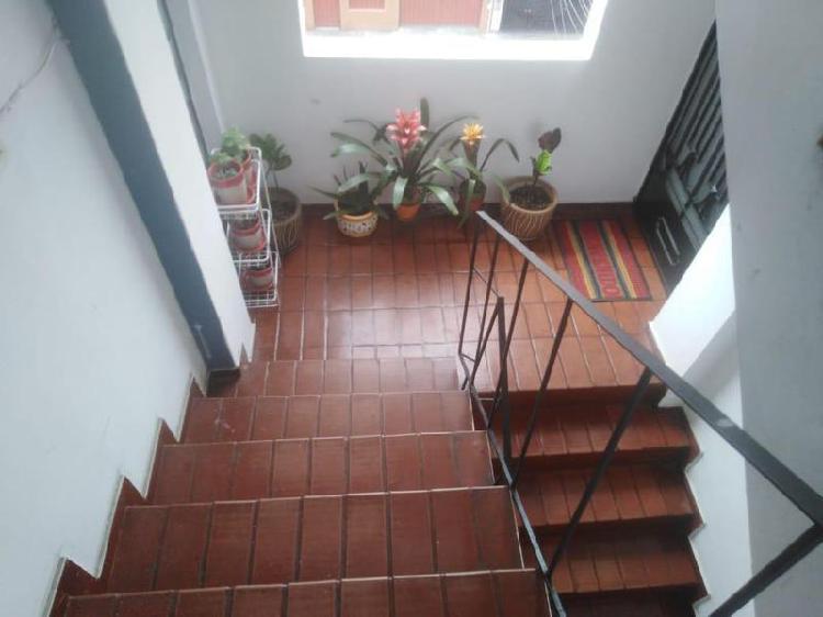 Lindo y amlio dpto 5to piso sin ascensor - urb el trebol (no