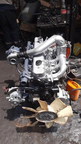 Motor nissan fd6- 175 caballos 6 cilindros turbo