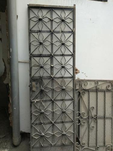 Puertas De Fierro