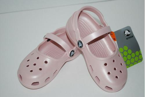 Se vende sandalia crocs mujer talla 13 original
