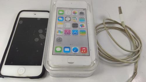 Ipod touch 5g plateado con sus accesorios