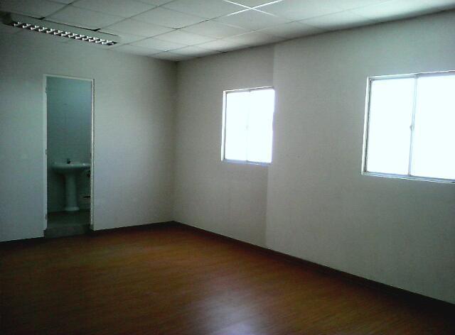 Alquiler oficina, negocio, excelente zona comercial por