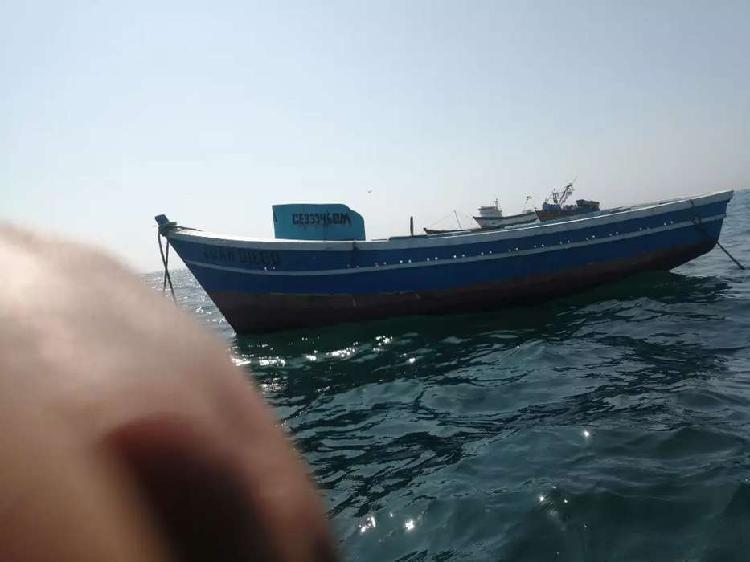 Embarcación motor centro nissan