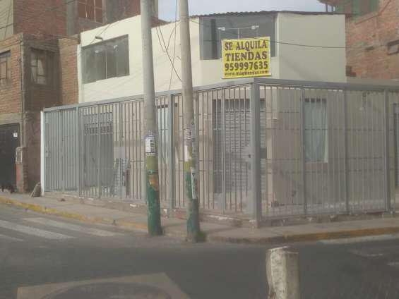 Alquilo 3 locales comerciales, esquina, primer piso en