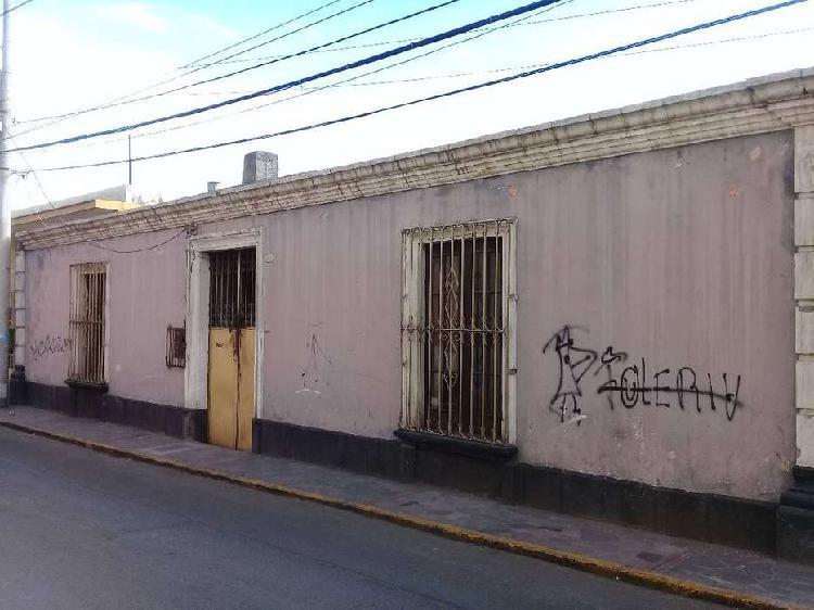 Se vende propiedad como terreno, centro histórico de