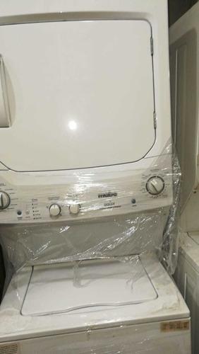Centro de lavado.lavadora y (secadora a gas)