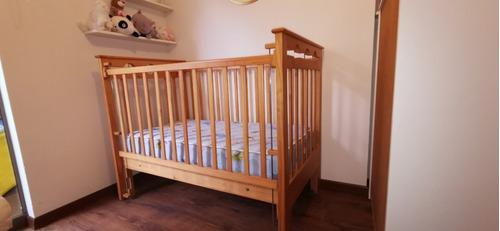 Cama cuna de madera pino-moderna y elegante