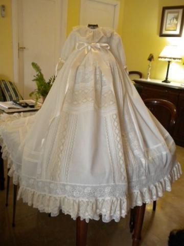 Ropa, vestidos, faldones para bautismo en lima