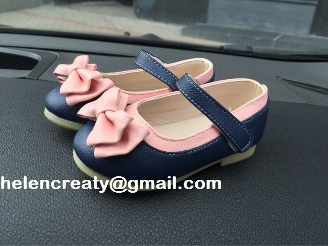 Zapatos de bebe,modelo princesas disney, talla 23 en lima