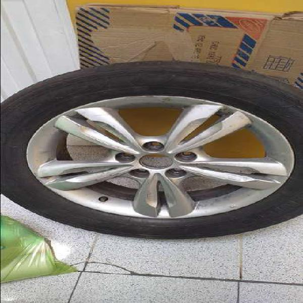 Llanta radial con aro de aluminio #17 tucson