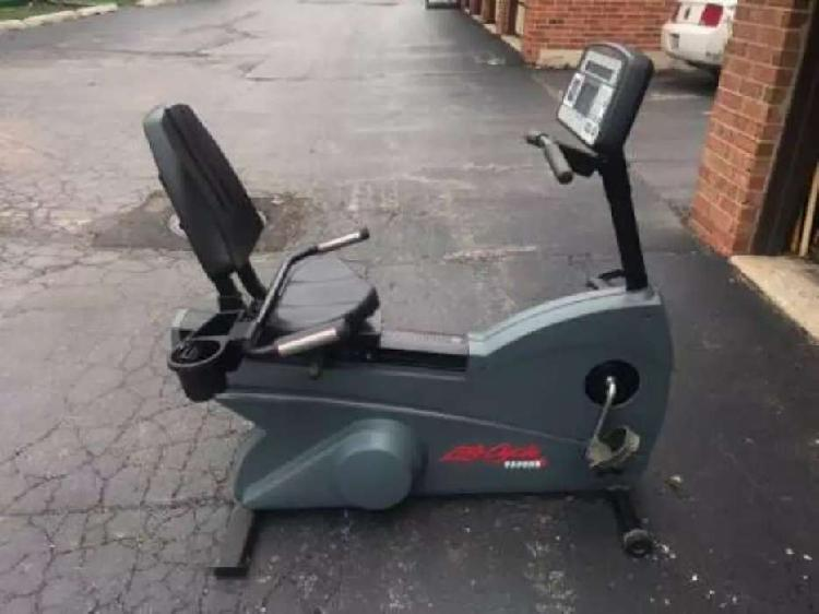 Vendo bicicleta estacionaria life fitness 9500hr
