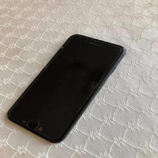 El iphone tiene más de un año de uso, está en perfecto