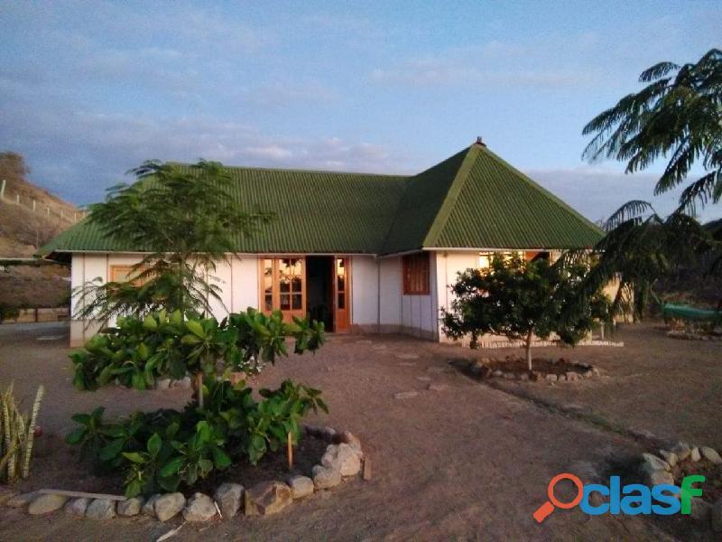 Vendo terreno de 2 mil m2 y casa de 110m2 cerca a la playa, costanorte peru