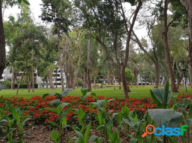Departamento en Alquiler en Jacinto Lara en San Isidro, Hermoso con Vista y Salida Parque Privado, Terraza