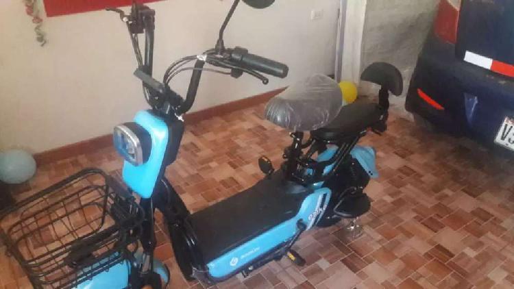 MOTO ELECTRICA MARCA.GREENLINE POCO USO