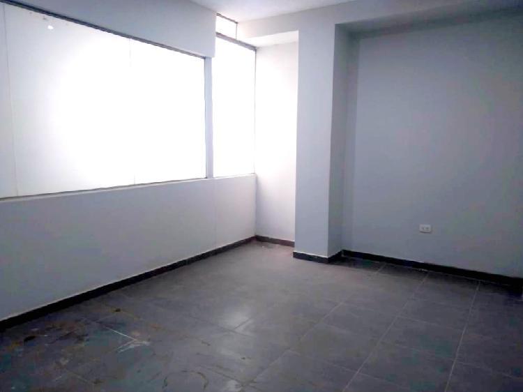 En alquiler casa comercial oficinas detrás de la nueva