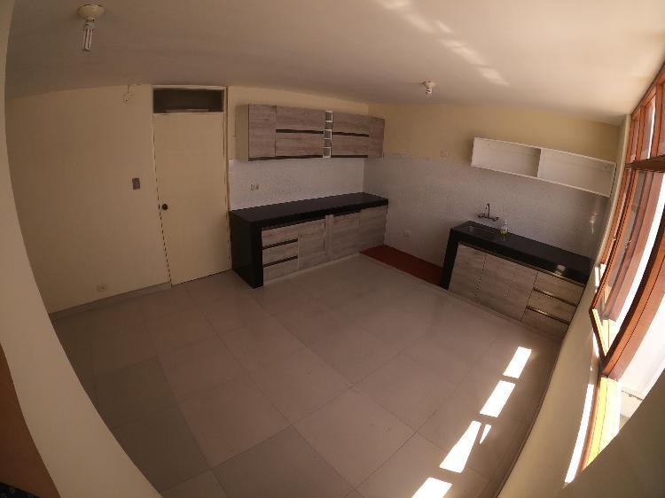Duplex con 5 habitaciones en yanahuara