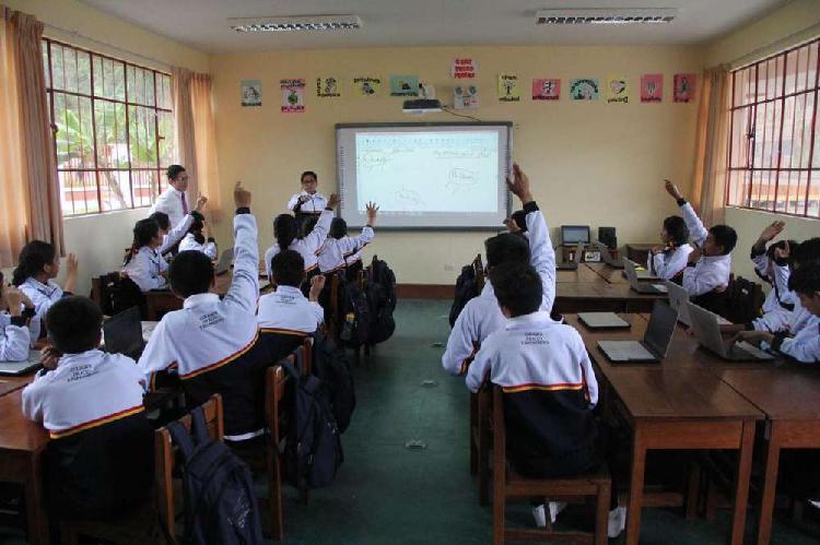 Profesor de matemáticas, clases virtuales para escolares