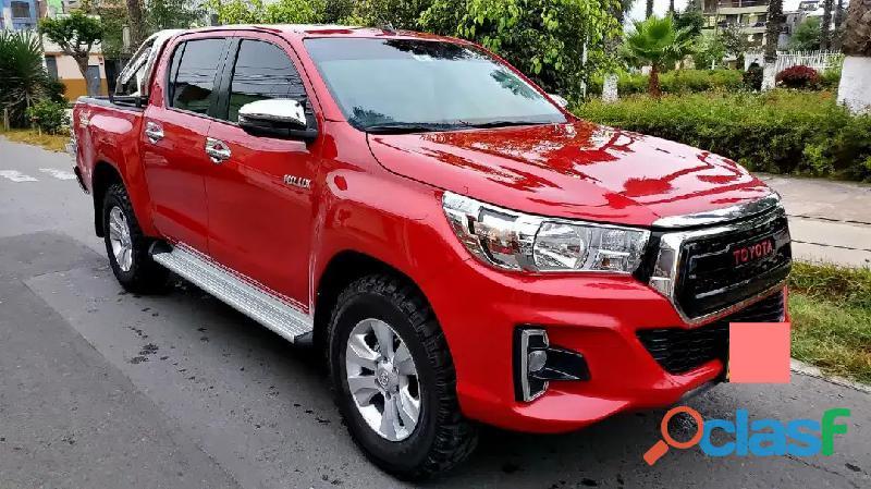Vendo mi Toyota Hilux srv 2019. mecanico 4x4 Turbo Intercooler.