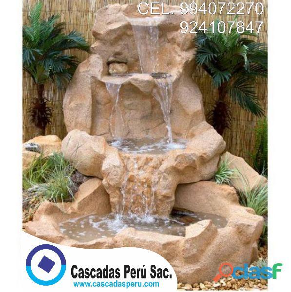 cascada artificial en pared, muro llorón, velo de agua, caida de agua 1