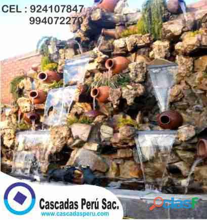 cascada artificial en pared, muro llorón, velo de agua, caida de agua 2