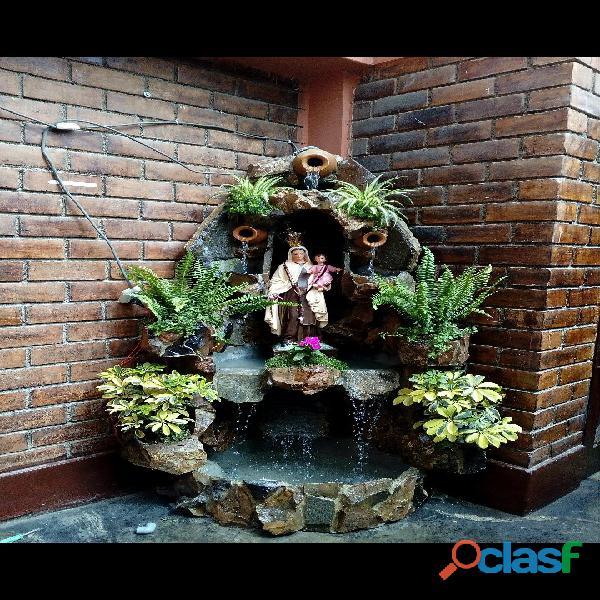 cascada artificial en pared, muro llorón, velo de agua, caida de agua 8